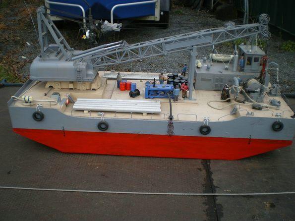 A Model Crane Barge - Build Features